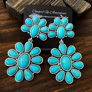 Jewelry - Turquoise Cluster Statement Earrings